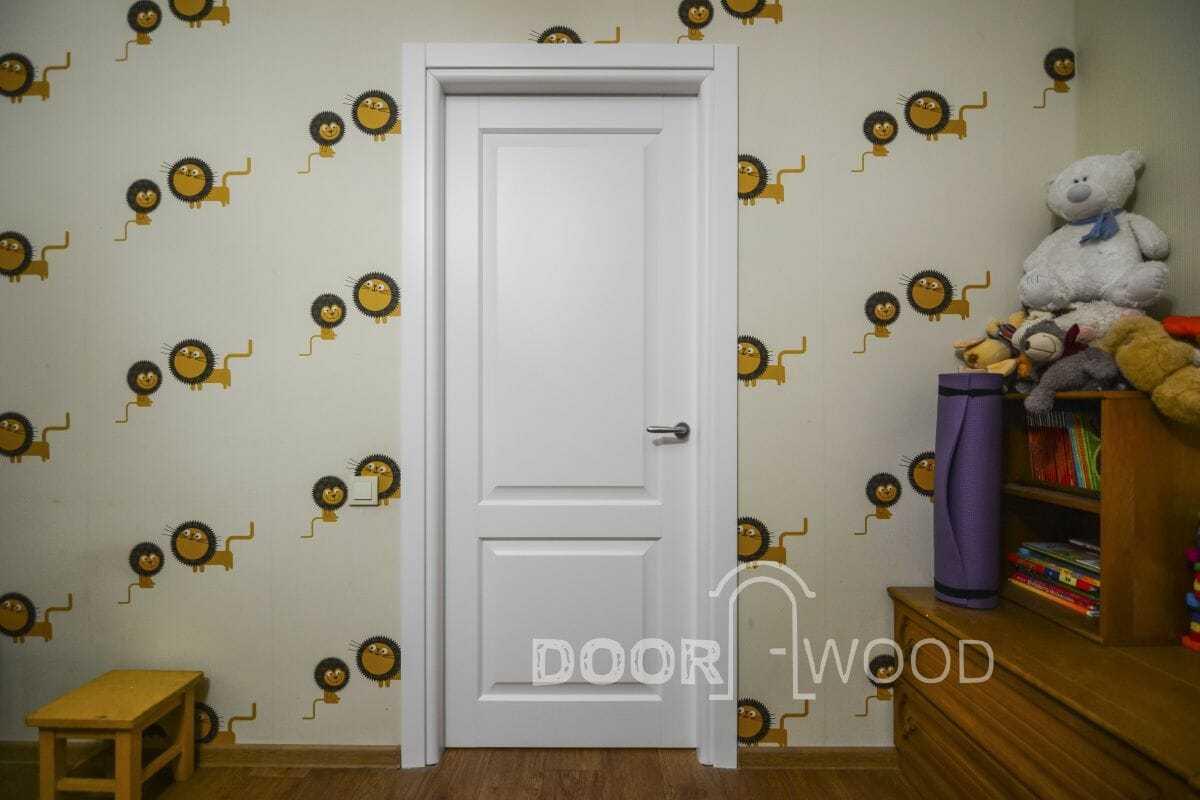Дверь со скрытыми петлями.