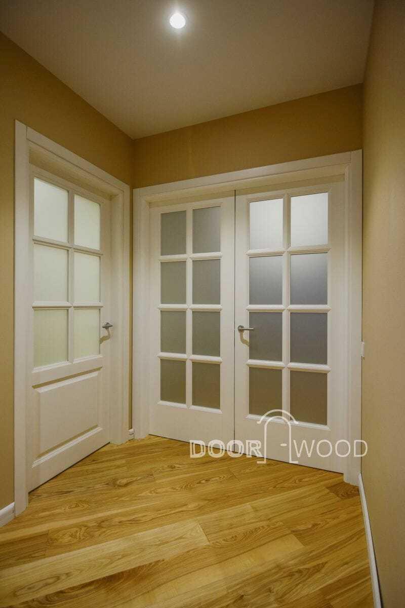 Міжкімнатні двери компанії виробника дверей DoorWooD™ модель Berlin двері з ясеня, двері купити, виробник дверей, дерев'яні двері, білі класичні двері, двери ясень