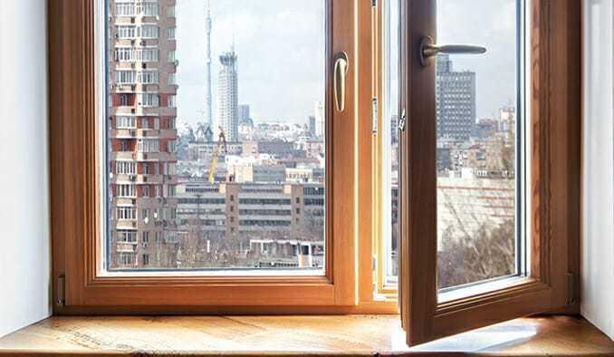 Уютная деревянное окно