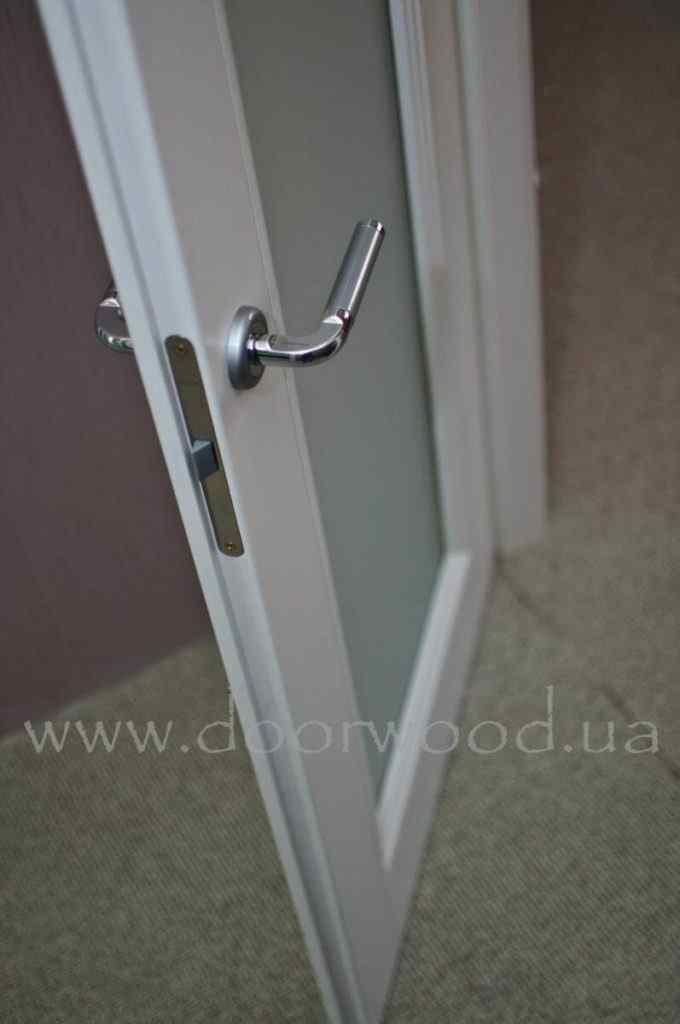 торец двери с наплывом