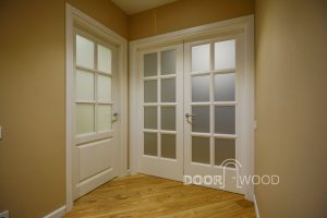 The door is clear in the classic style of DoorWooD