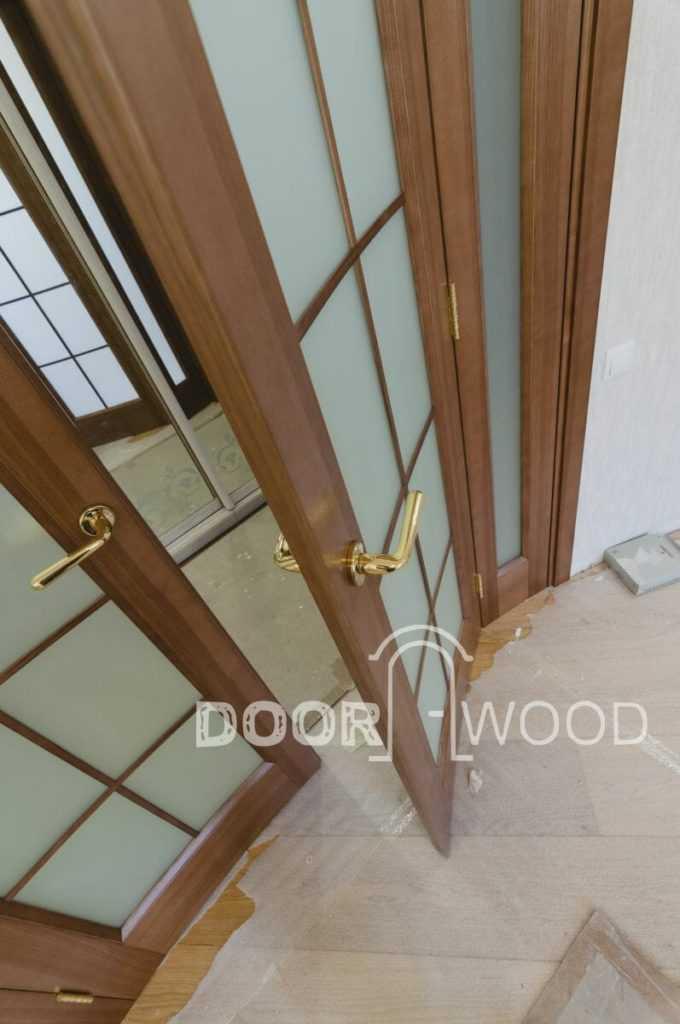 деревянные межкомнатные радиусные двери из ясеня