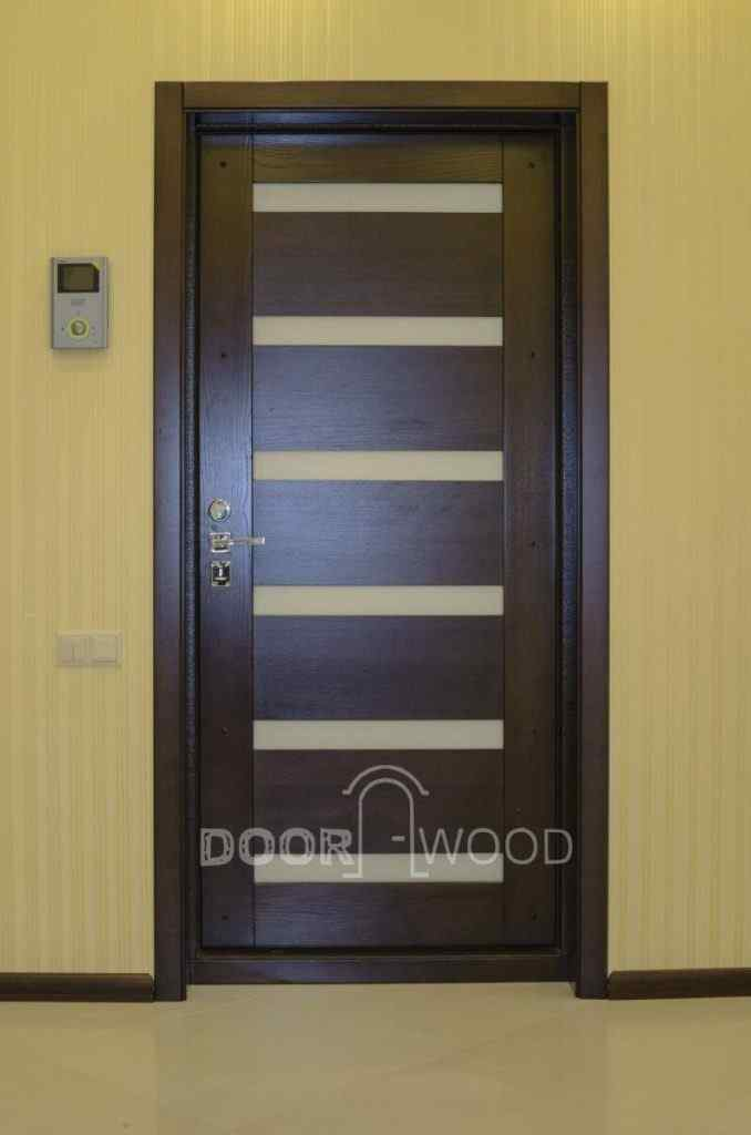 деревянная накладка на метеллическую дверь
