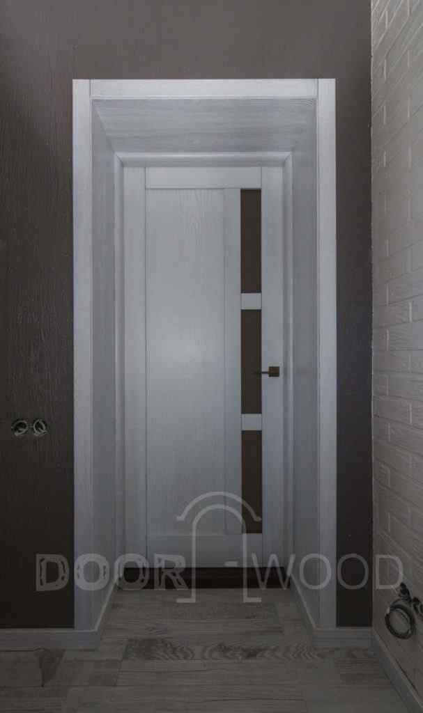 двери из ясеня с патиной