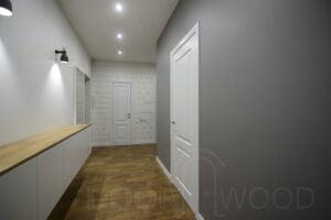 Двери межкомнатные плинтус и деревянная столешница
