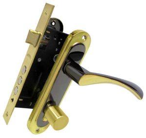 Комплект для входной двери Bruno (ручка на планке Bravo 162 под ключ + замок 1025 + цилиндр 70мм с повороткой+ 5 кл) черный никель    /золото