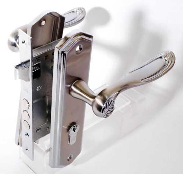 RDA Комплект Monza (ручка на планке + замок 1025 + цилиндр 60 мм + 5 кл) хром/мат хром 1