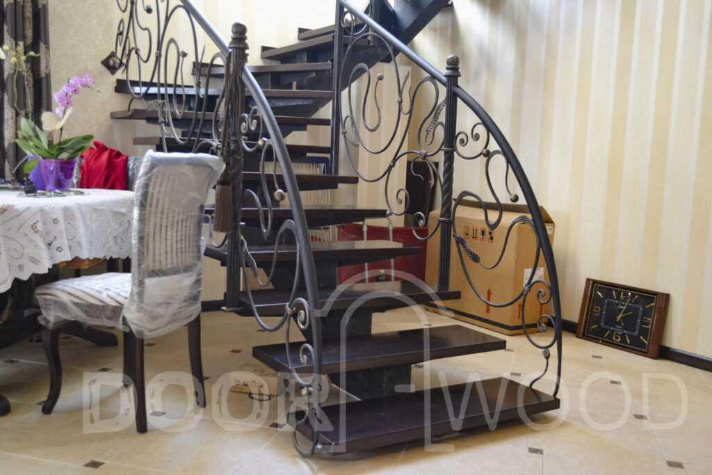 Лестница под заказ ступени из ясеня