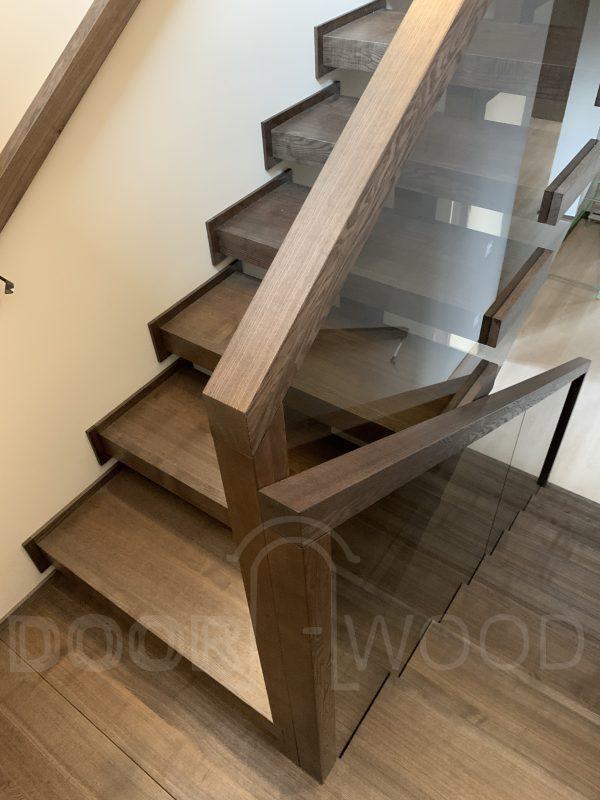 деревянная лестница стекло массив