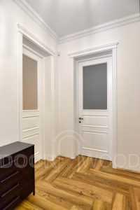 Двери больших размеров - Белые двери со стеклом
